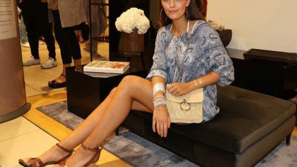 Im KaDeWe eröffnete RIANI eine eigene Fashion-Corner mit der aktuellen GNTM-Gewinnerin Vanessa Fuchs ...