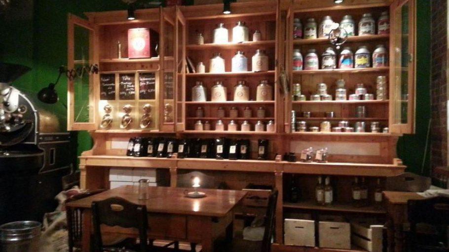 Das Café Pakolat wirkt wie aus der Zeit gefallen ...