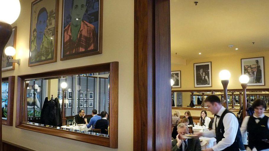 Blick ins Kaffeehaus Einstein Unter den Linden.