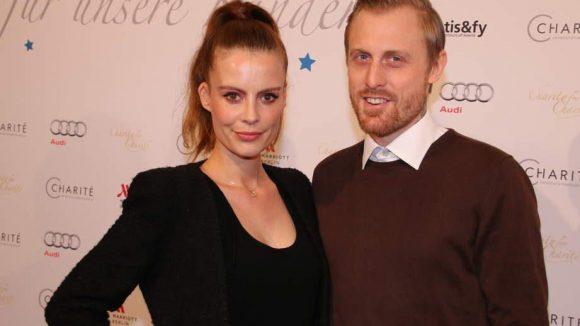 """Eng umschlungen: Schauspielerin Karolin Oesterling und ihr Mann David im Marriott. Sie spielte unter anderem im Film """"Rubbeldiekatz"""" und in der Serie """"Schillerstraße"""" mit."""