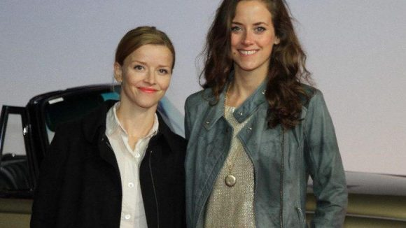"""Auch die Schauspielerinnen Karoline Schuch (""""Zweiohrküken"""") und Anja Knauer (""""Küss mich, Frosch"""") waren bei der Weltpremiere dabei."""