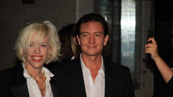 Katja Eichinger kam mit Künstler Anthony James. Ihre neue Liebe?