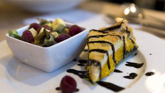 Gekocht wurde von jedem Teilnehmer ein veganes Drei-Gänge-Menü. Dies hier scheint das Dessert zu sein.