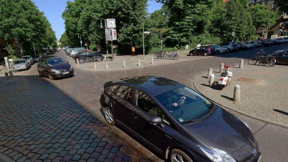 Kein Blech. Einen Monat lang sollen die konventionellen Autos aus dem Viertel um den Helmholtzplatz in Prenzlauer Berg verschwinden.