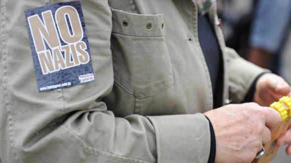 Wie auch bei den Demonstrationen in Hellersdorf wehren sich die Anwohner in Britz gegen Neonazis.