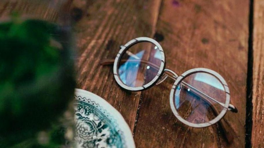 Schön schlicht: die Brillen von Kernholz.