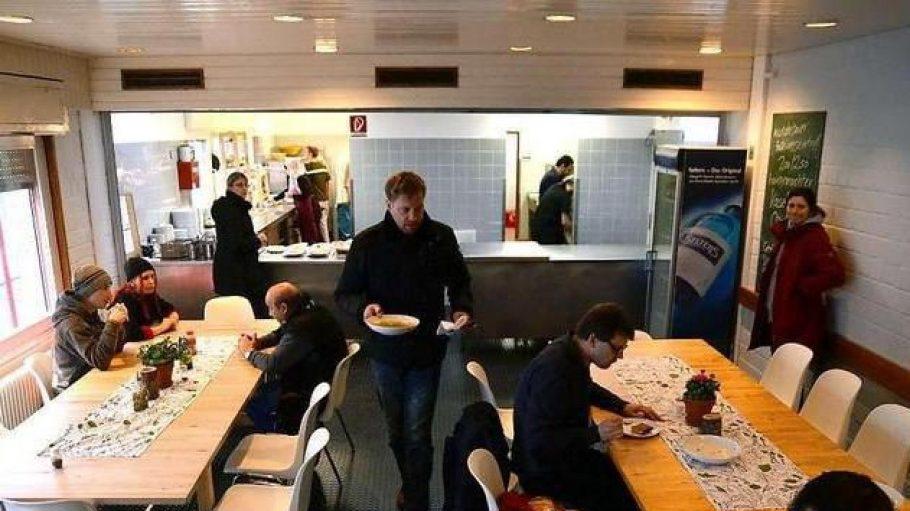 Guten Appetit. In der Kantine Kreuzberg kommt montags bis freitags immer ein anderes Gericht auf den Tisch.