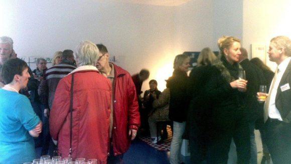 Viele Interessenten kamen, um sich vor Ort über die neue Kiezstube zu informieren.