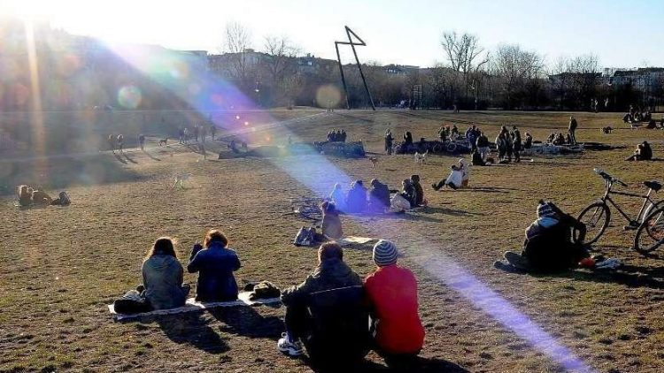 """Ein Scherz? Am 1. April soll es einen großen """"Kiff-in"""" im Görlitzer Park geben, um gegen die Drogenpolitik des Senats zu demonstrieren - unangemeldet, aber groß angekündigt."""