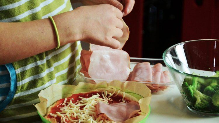 Kinder, die Spaß am Kochen haben, bekommen häufig auch ein gesünderes Verhältnis zum Essen.