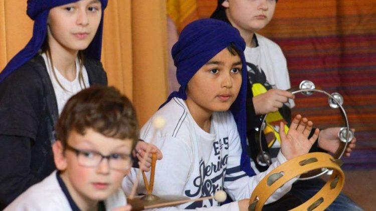 Für die Schüler der Askanier-Grundschule war die Aufführung der Kinderoper eine musikalische Reise in den Orient.