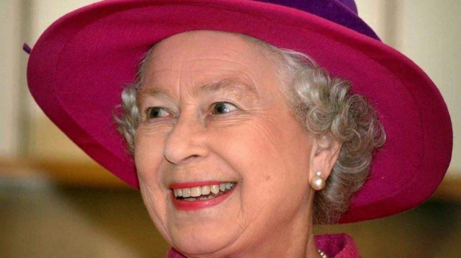 Mit Schirm, Charme und Melone: Königin Elisabeth II. wird heute 90 Jahre alt.