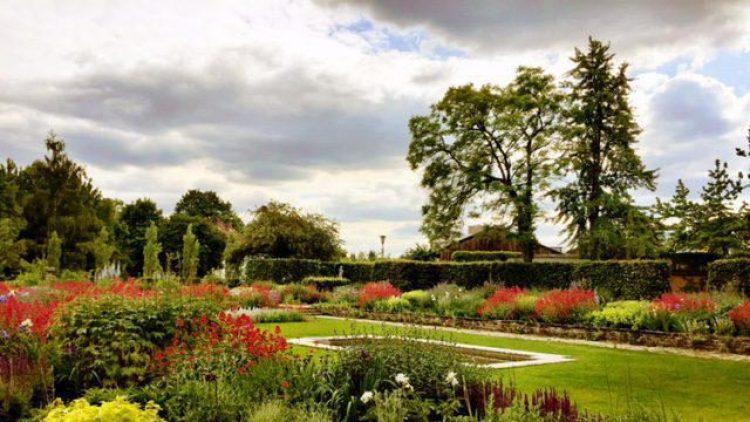 In der Akademie kann man etwas über Gartenkunst lernen - oder sie einfach betrachten.