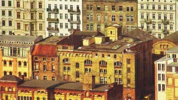 Blick vom Fernsehturm auf den Gewerbehof.