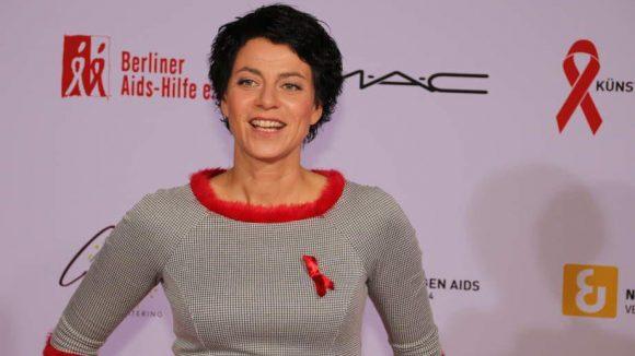 TV- und Radio-Moderatorin Griseldis Wenner hat ihre Schleife farblich schön abgestimmt.