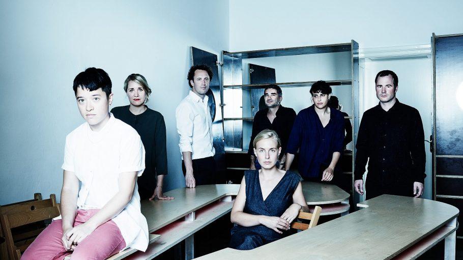 Dieses künstlerische Team soll das Kunst-Werke Institute for Contemporary Art in die Zukunft führen. Dritter von links: der neue Direktor Krist Gruijthuijsen.