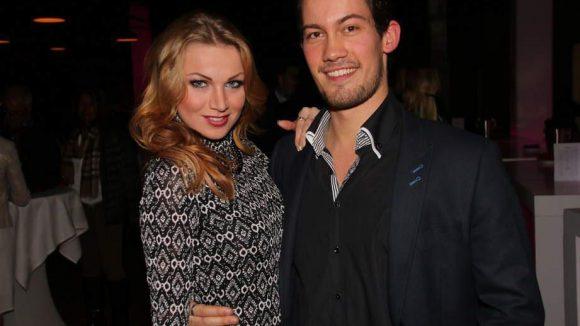 """..., Dimitry Barov, war auch zusammen mit seiner """"Let's Dance""""-Tanzpartnerin Katja Kalugina beim Konzert unterwegs."""