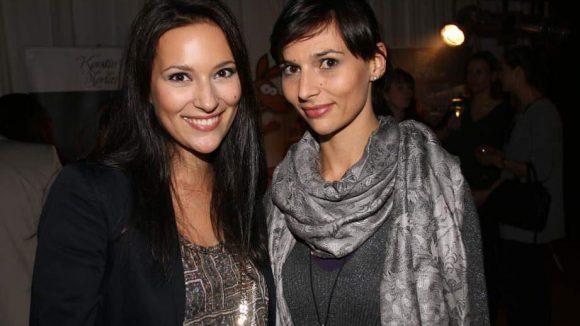 Ebenfalls beim Konzert im Hotel Moa dabei: Die Miss Germany von 2007, Nelly Marie Bojahr (l.) mit ihrer Schwester Judith.
