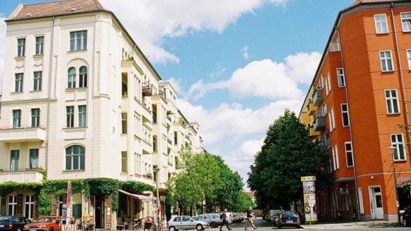 Kopenhagener Straße, Ecke Sonnenburger Straße.