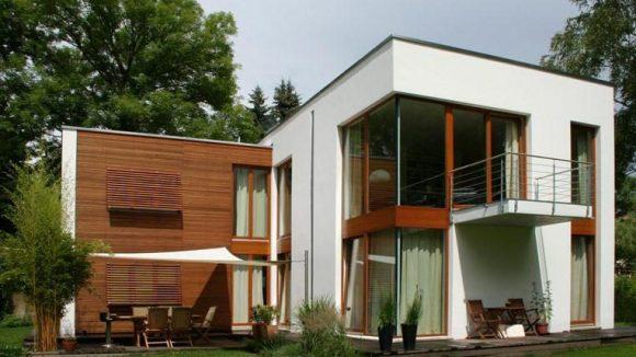 Eines der modernen Häuser, die Burchardt Immobilien im Portfolio hat.