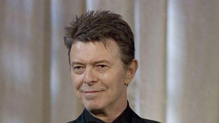 Lange hat man nichts von ihm gehört - nun ist David Bowie mit einer neuen Platte zurück, inklusive einem Song über die deutsche Hauptstadt.