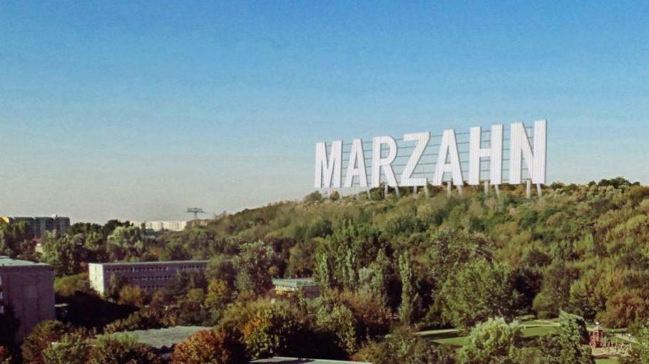 Hollywood-Flair mitten in Marzahn: Das könnte es bald schon in den Ahrensfelder Bergen geben und sich dann möglicherweise zu einer kleinen Touristenattraktion entwickeln.