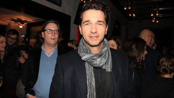 """Wiedererkannt? Schauspieler Andreas Elsholz' bekannteste Rolle bei """"GZSZ"""" liegt schon einige Jährchen zurück."""