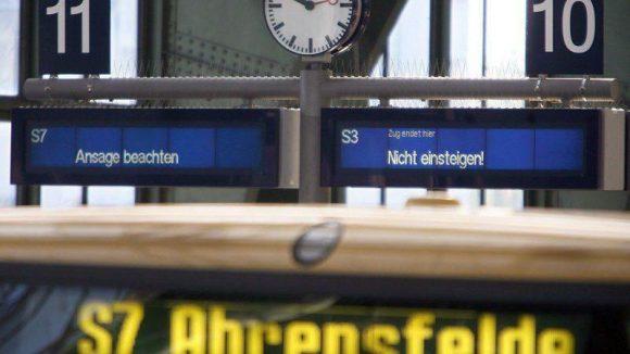In der vergangenen Nacht rief die GdL (Gewerkschaft der Lokführer) bundesweit zu Streiks auf. Der Berliner S-Bahn-Verkehr wird sich davon nicht so schnell erholen ...