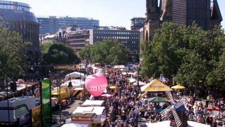 Ab Freitag werden sich die Straßen rund um den Breitscheidplatz in ein buntes Straßenfest verwandeln.