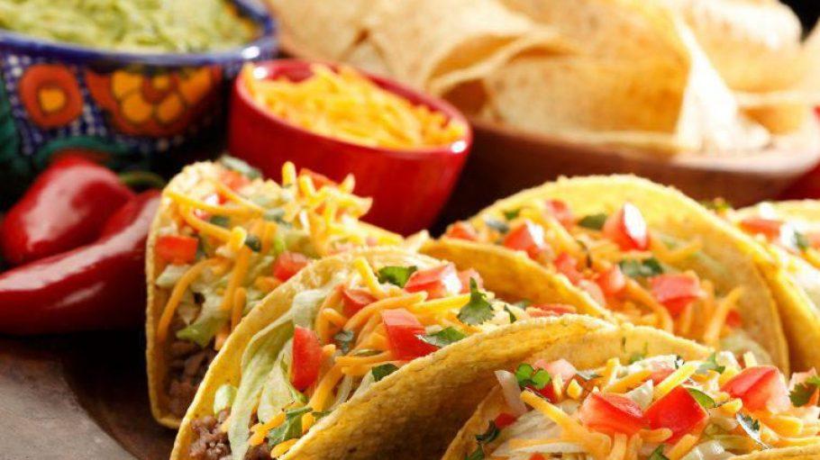 """Prall gefüllte Tacos werden weltweit an jedem Dienstag mit dem """"Taco Tuesday"""" gefeiert."""