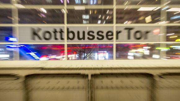 Am Kottbuser Tor in Kreuzberg kommt es häufig zu Unfällen mit Radfahrern.