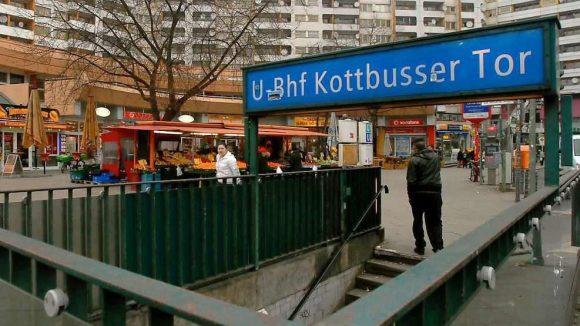 Nicht schön, aber definitiv ein Platz für Geschichten: das Kottbusser Tor.
