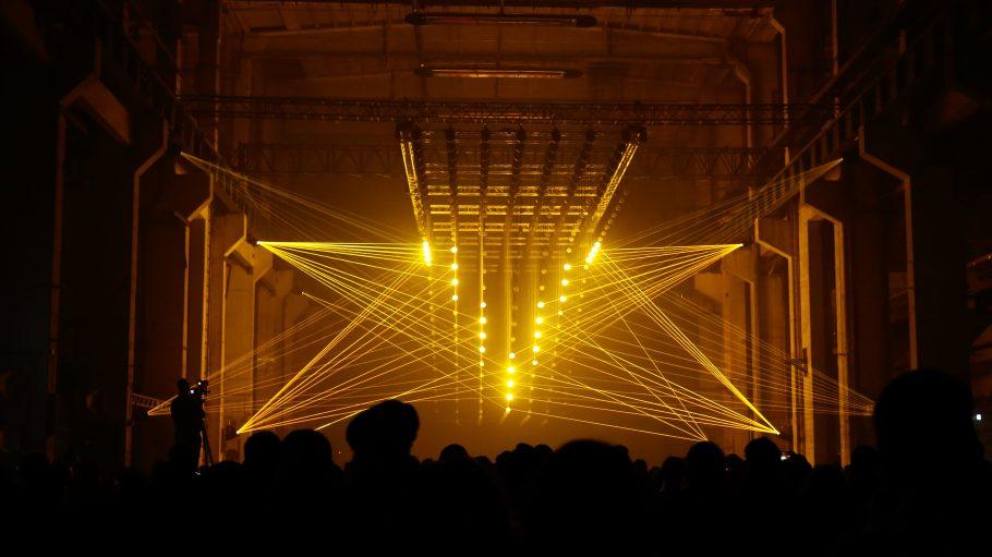 Fünf Tage wach - geht beim Elektrofestival Atonal im Kraftwerk ganz wunderbar.