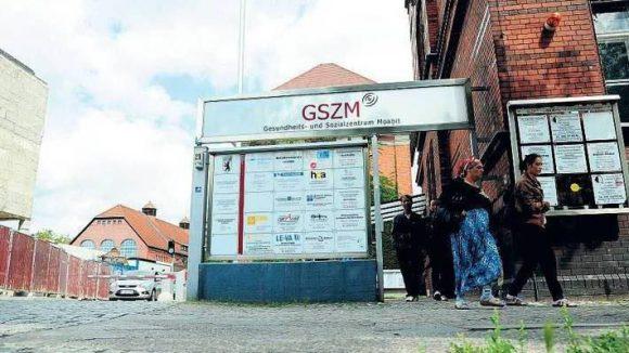 Einst Klinik, heute Fluchtpunkt. Das Krankenhaus Moabit wurde 2001 geschlossen. Einige glauben, dort werde auch wieder ein Krankenhaus gebraucht.