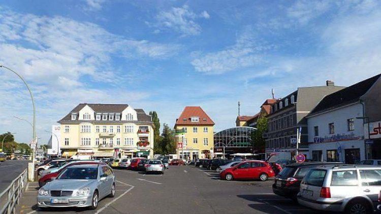 An Tagen, an denen hier kein Wochenmarkt stattfindet, sieht der Kranold- wie ein großer Parkplatz aus.
