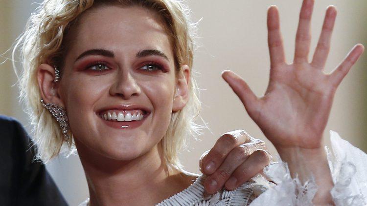 Auf einmal blond! Kristen Stewart spielt im Thriller Personal Shopper, der als Highlight bei der Frazösischen Filmwoche läuft, die Hauptrolle.