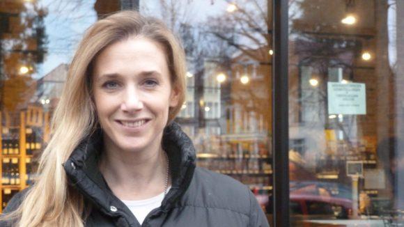 Schauspielerin Kristin Meyer ist u.a. für ihre Rollen in GZSZ, Anna und die Liebe, Polizeiruf 110 sowie Tatort bekannt.