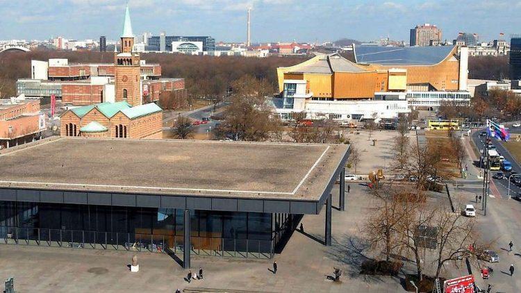 Den leeren Platz zwischen Philharmonie und Neuer Nationalgalerie dürfte schon bald das neue Museum füllen.