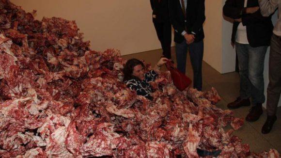 Am Eröffnungsabend war in der Kunsthalle Mitmachen und Eintauchen angesagt.