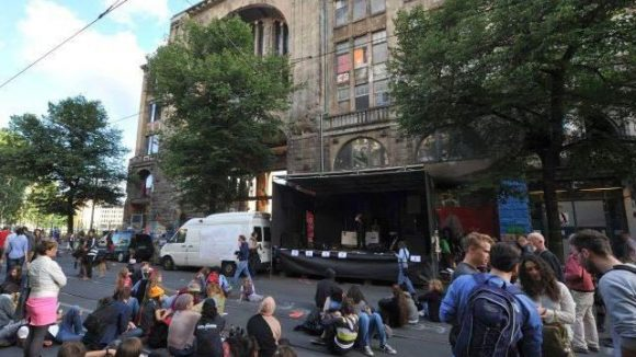 Noch Mitte August wurde vor dem Tacheles eine Solidaritätskundgebung abgehalten.