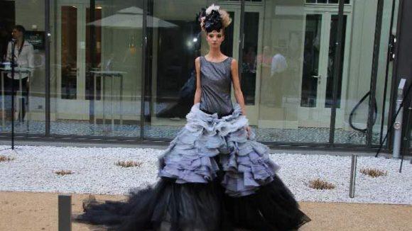 Ein Kleid von Designerin Anne Wolf.