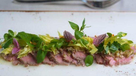 Im neueröffneten Restaurant La Banca im Hotel de Rome stehen traditionelle Gerichte der italienischen Küche - mitunter modern interpretiert - auf der Speisekarte.