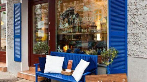 Die Mallorteca verkauft ausgewählte Weine, Öle und Tapas von der Sonneninsel Mallorca.