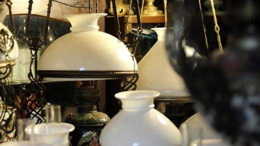 Wer klassische Lampenformen liebt, sollte im Prenzlauer Berg vorbeischauen. Hier findet man die Berliner Lampenmanufaktur.