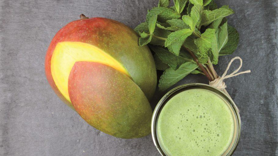 Man nehme Mango, Minze, Limetten, Spinat und Weizengras - und fertig ist der Lieblings-Smoothie.