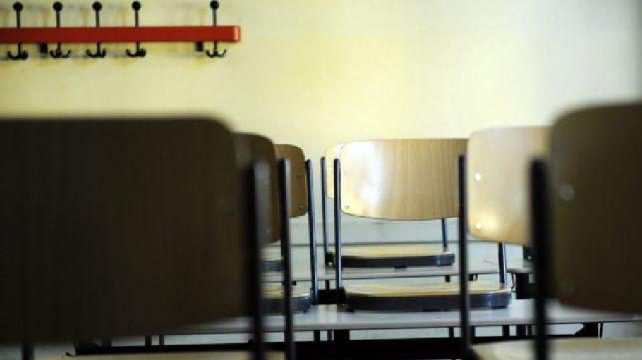 Wohnen im Klassenzimmer, wenn längst alle Schüler gegangen sind: Eine Hauswächter-Vermittlung macht's möglich.