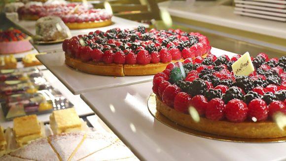 Französische Pâtisserie der Extraklasse im KaDeWe: Lenôtre in der Feinschmecker-Etage.