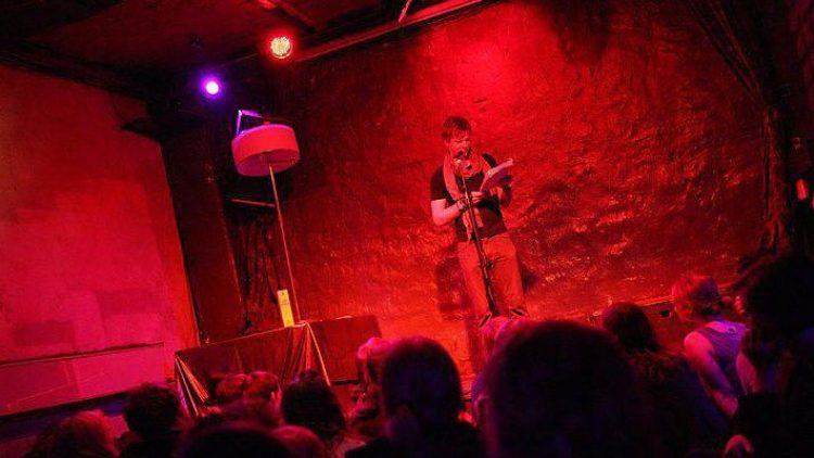 Gespannte Zuhörer und geübte Wortakrobaten verspricht das Urgestein aller heimischen Poetry Slams: Der Bastard Slam im Ritter Butzke.