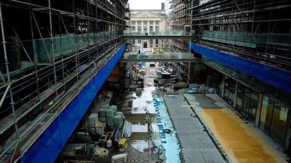 Hier wird noch kräftig gebaut. EinBlick auf den Bundesrat. So schaut man auf den Sitz der Länderkammer in der Leipziger Straße.