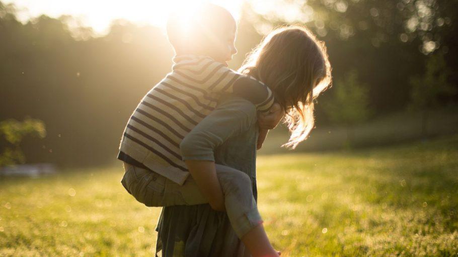 Family time - wir gucken so gerne lachende Kinderaugen, hübsche Babybäuche und stylische Mums.